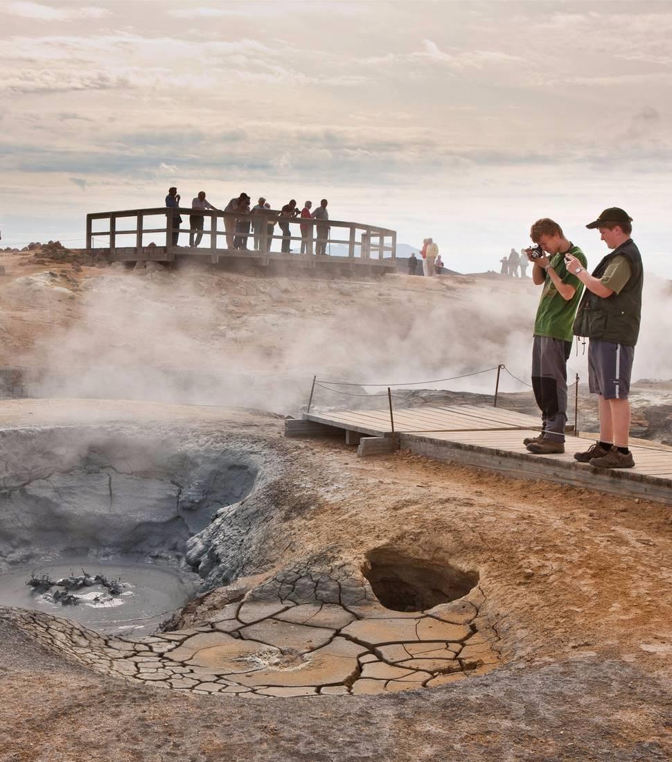 Iceland-geyser-tour